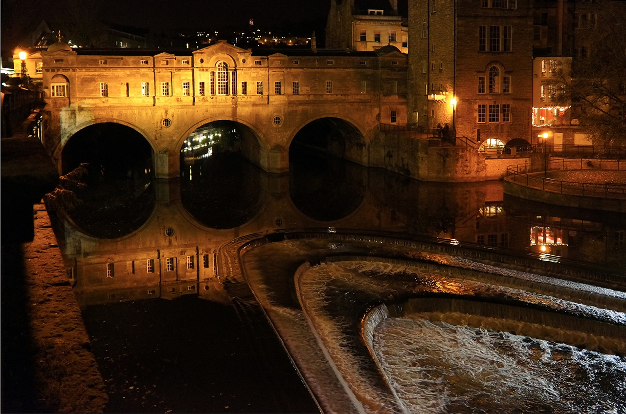 pulteney-bridge-at-night