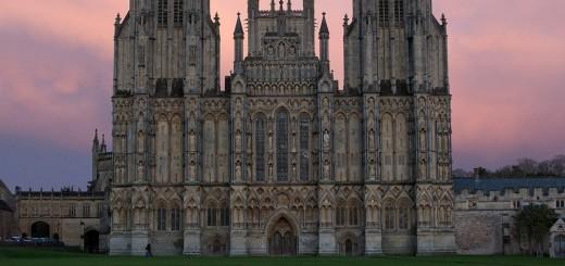 Wells_Cathedral_Sunset_Nov,_2011